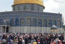 صورة الفلسطينيين يحيون ذكرى الإسراء والمعراج في المسجد الأقصى (فيديو)