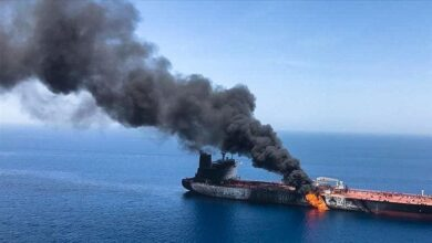 صورة سفينة إسرائيلية تتعرض لهجوم صاروخي قبالة سواحل الإمارات