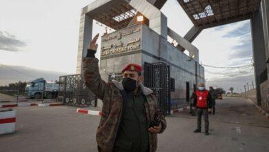 صورة مصر تغلق الحدود مع غزة وسط توترات مع حركة حماس