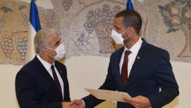 صورة إسرائيل أول سفير لها لدى البحرين بعد تطبيع العلاقات مع المملكة العام الماضي