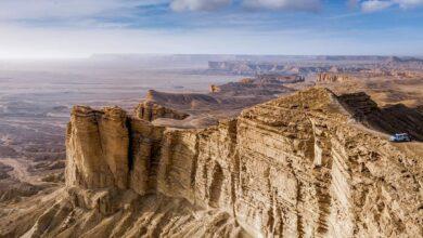صورة نهاية العالم.. لماذا تُذهل جبال طويق السعودية زوارها؟