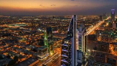 صورة السعودية تمدد تأشيرات الزيارة آلياً لمن هم خارج المملكة